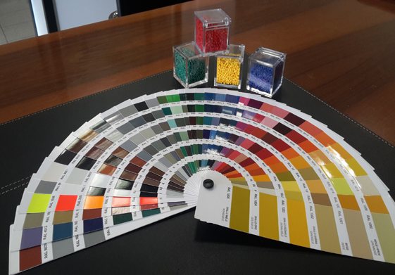 Realizzazione articoli in plastica con ampia scelta sui materiali