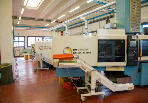 Macchinari per stampaggio plastica