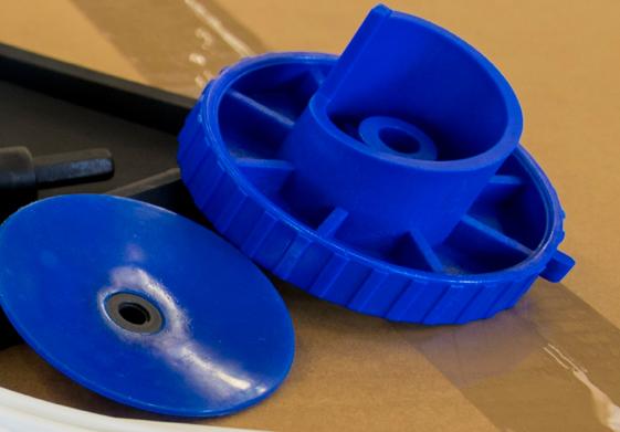 Reparto Stampaggio Plastica sono utilizzate presse orizzontali con capacità di chiusura da 40 a 100 ton.